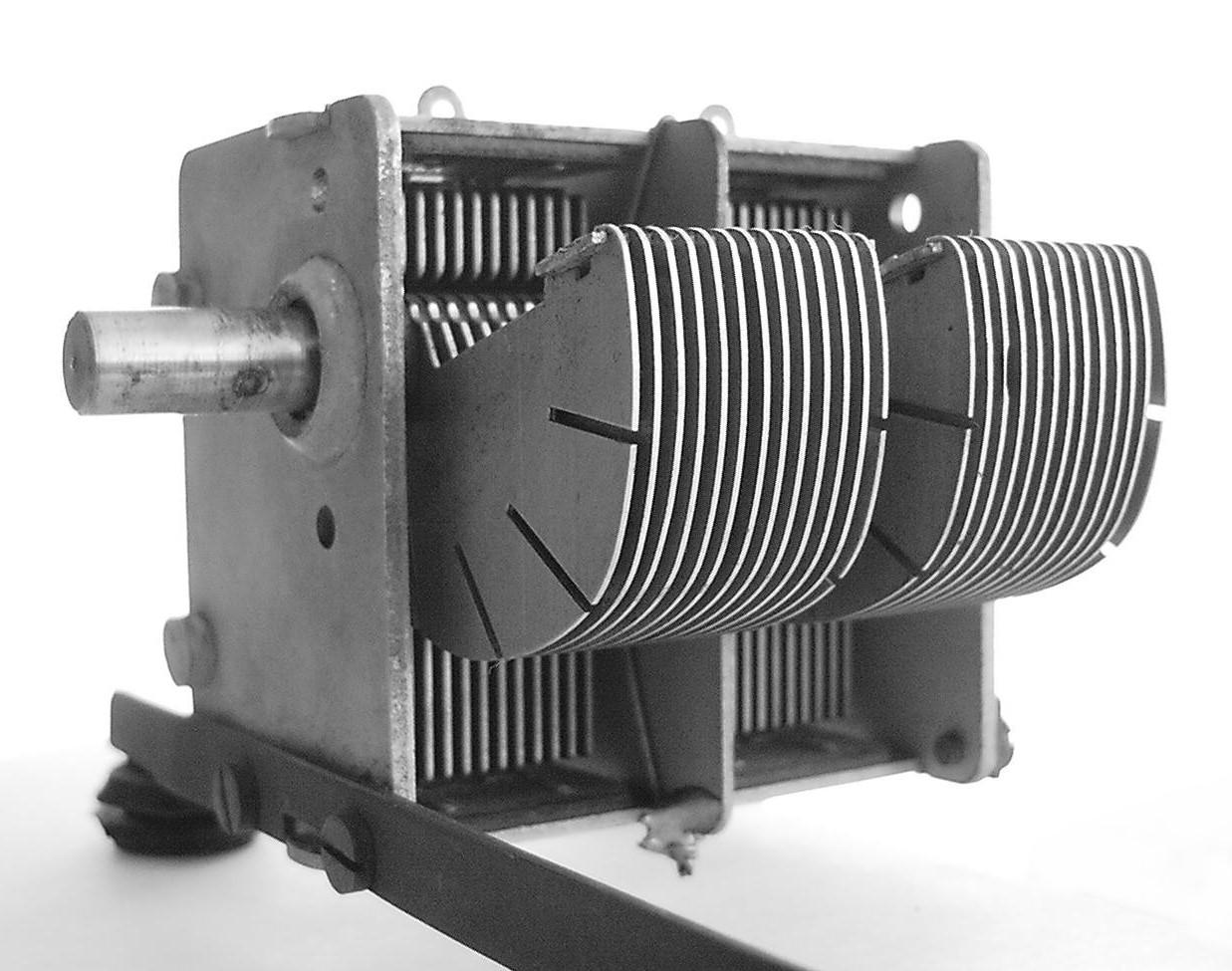 kondensatory energetyczne
